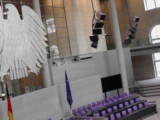 Blick in den Sitzungssaal des Bundestages