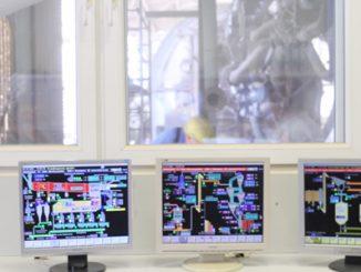 Mit Industrie 4.0 in die Zukunft: Otterbein-Produktionsleiter Klaus Kulozik und technischer Leiter von atlan-tec Andreas Krüger (rechts)