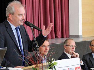 Caritasdirektor Juch, CBP-Geschäftsführer Dr. Thorsten Hinz, den CBP-Vorsitzenden Johannes Magin sowie Bürgermeister Wehner. (v.l.)