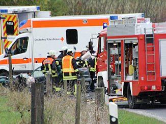 Verkehrsunfall mit tödlichem Ausgang. Bilder: S. Weber